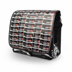 2061337-NINTENDO-Original-Classic-Controller-PVC-Messenger-Bag-with-Reversible-F miniatura 2